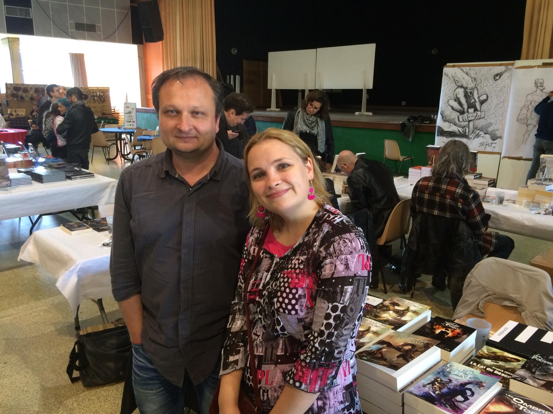 Aude E Lynésis et l'éditeur Alexis Lorens des Editions du Riez